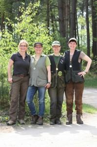 Erste Damenmannschaft der Jägerschaft beim Frühjahresschießen 2014