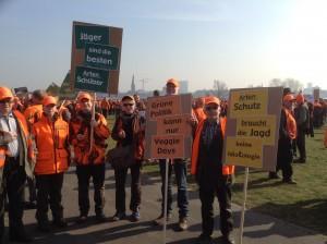Die Mannschaft aus Isernhagen bei der Demonstration in Düsseldorf.
