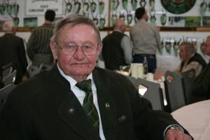 Jagdmaler und Altjäger Helmut Erxleben ist seit Jahren Ehrenmitglied der Jägerschaft Burgdorf. Foto: Uwe Kurmeyer
