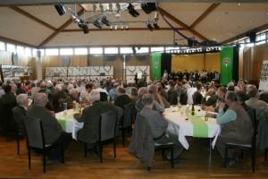 Etwa 250 Jägerinnen und Jäger besuchten die Jahreshauptversammlung der Jägerschaft. Foto: Uwe Kurmeyer