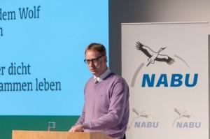 """DJV-Geschäftsführer Andreas Leppmann auf der NABU-Wolfskonferenz: """"Wir müssen den Umgang mit dem Wolf lernen"""" Bild: Bricke/DJV"""