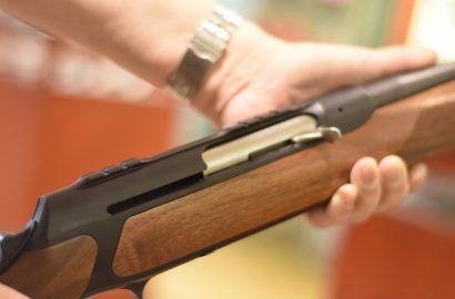Europäisches Parlament stimmt Feuerwaffen-Richtlinie zu