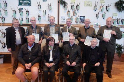 Fünf Jäger für 65 Jahre Engagement und Treue ausgezeichnet